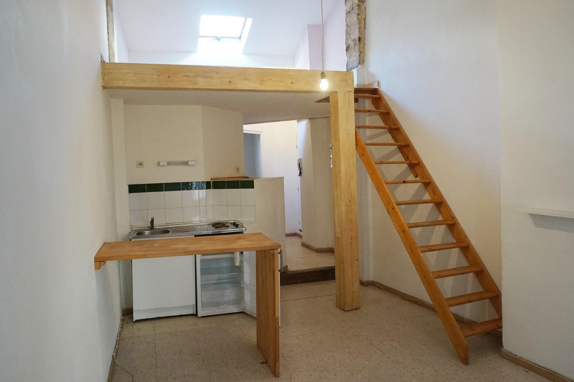 location appartement f2 mezzanine. Black Bedroom Furniture Sets. Home Design Ideas